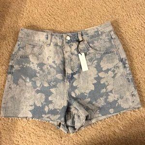 NWT Topshop Mom Shorts Sz 10 (USA 6)